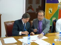 Firma del convenio de colaboración entre la Cámara de Comercio e Industria de Álava y GASTELIA