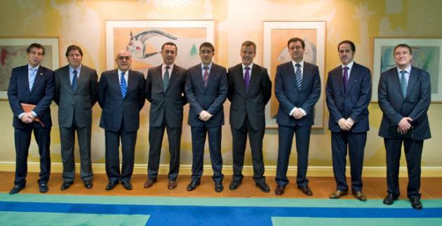 El Lehendakari recibe a los directivos de las Cámaras de Comercio Vascas